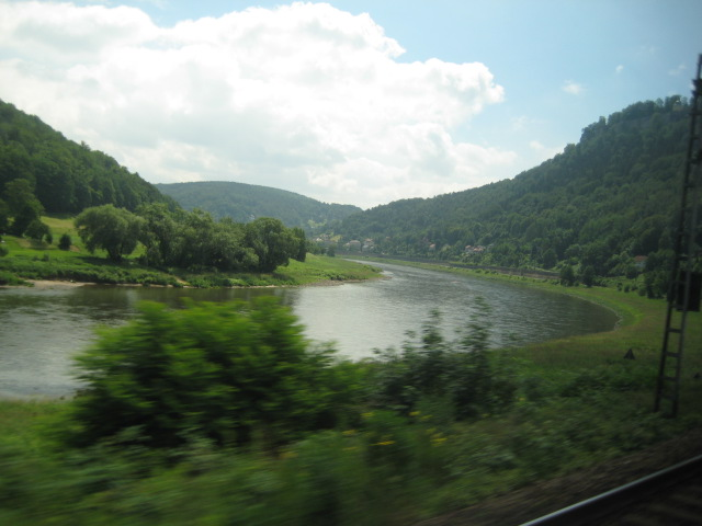 プラハへの電車からの眺め_7.JPG