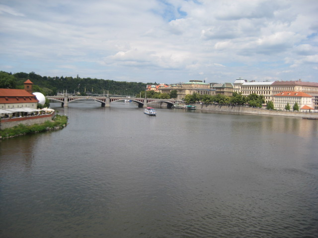 プラハ城と橋_9.JPG