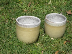 waxie oatmeal(inside), mug yellow(outside)(s).jpg